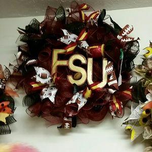 Wreath FSU theme